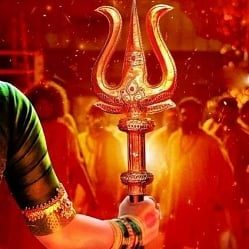 Nayanthara's Mookuthi Amman - the goddess is arriving soon! Stylish new poster here!